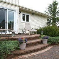 Mature lot garden design plan including beautiful flower garden ideas and patio design.