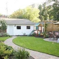 Backyard garden design ideas for a mature lot including patio design and walkways.