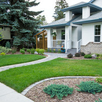 Mature lot garden design plan including walkways.